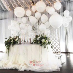 Оформление свадьбы воздушными шарами белые фонтаны-капельки