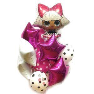 Композиция из бело-розовых гелиевых шаров с куклой LOL на день рождения ребенка