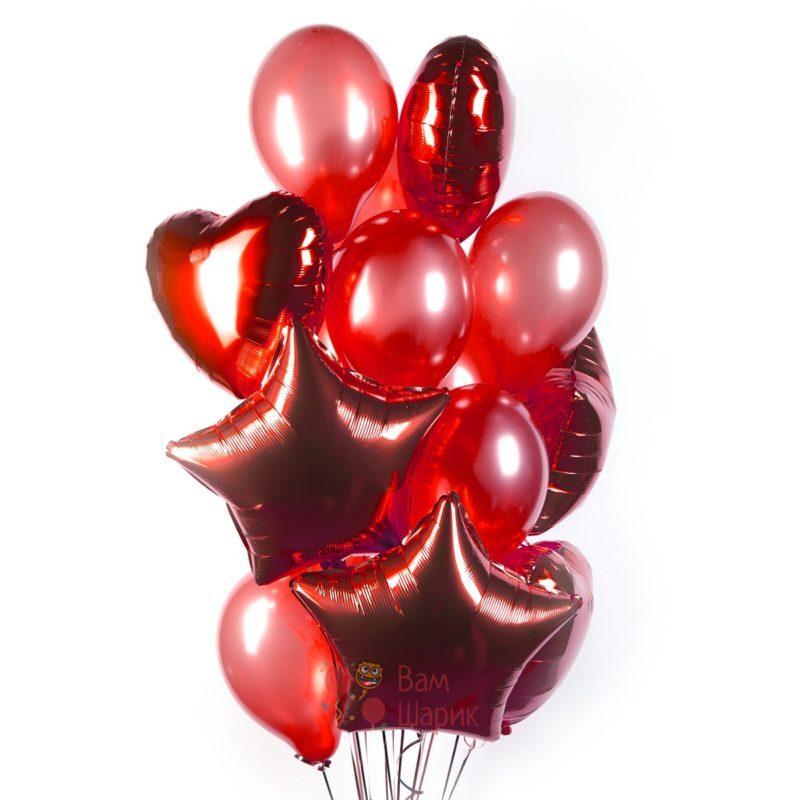 Композиция из красных шаров с сердцами и звездами