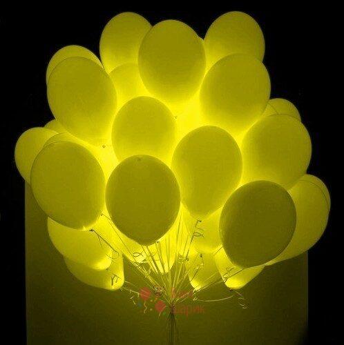 Светящиеся желтые шары с белыми светодиодами