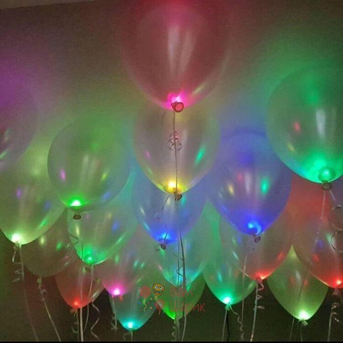 Светящиеся разноцветные шары металлик под потолок с мигающими разноцветными светодиодами