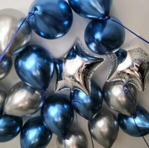 Композиция из серебряных, розовых и прозрачных шаров с серебряными блестками с цифрой
