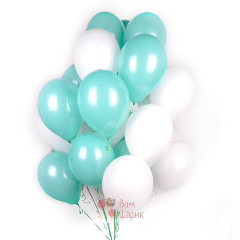 Облако бело-мятных шаров