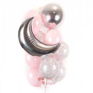 Композиция из бело-розовых и прозрачных шаров с блестками, месяцем и сферой