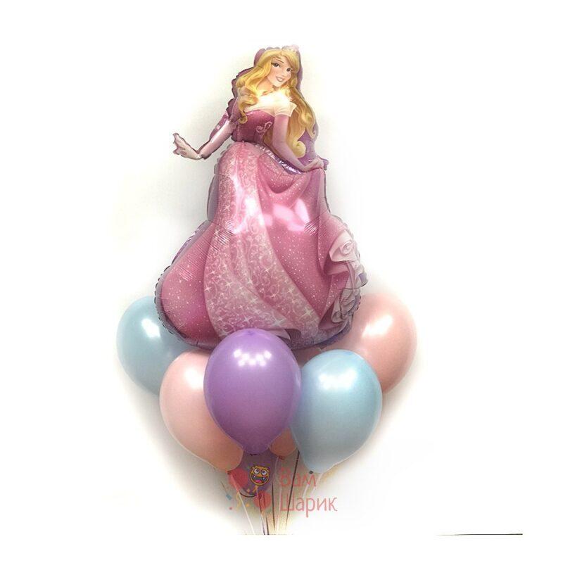 Композиция из шаров нежных цветов со спящей красавицей