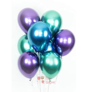 Облако синих, фиолетовых и зеленых хромированных шаров