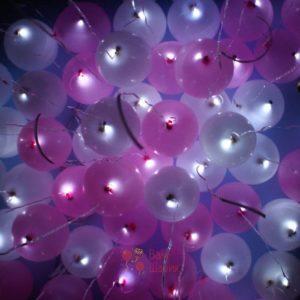 Светящиеся бело-розовые шары под потолок с белыми светодиодами