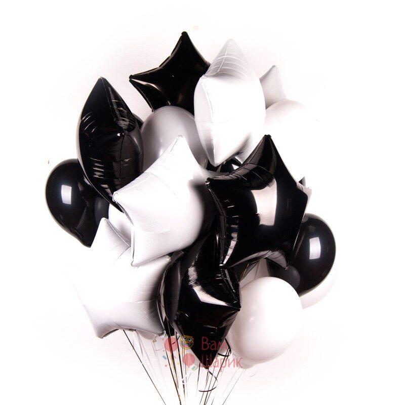 Композиция из черно-белых шаров со звездами